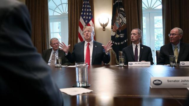 É oficial: Trump vai reverter lei sobre separação de famílias imigrantes