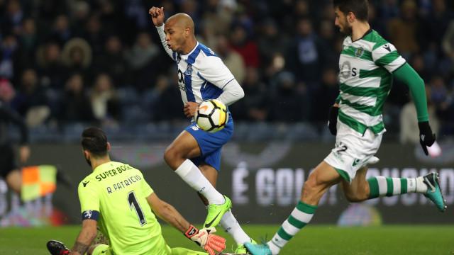 Brahimi pode fazer companhia a Rui Patrício na Premier League