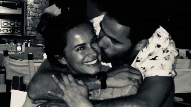 Companheiro de Cláudia Vieira declara-se à atriz