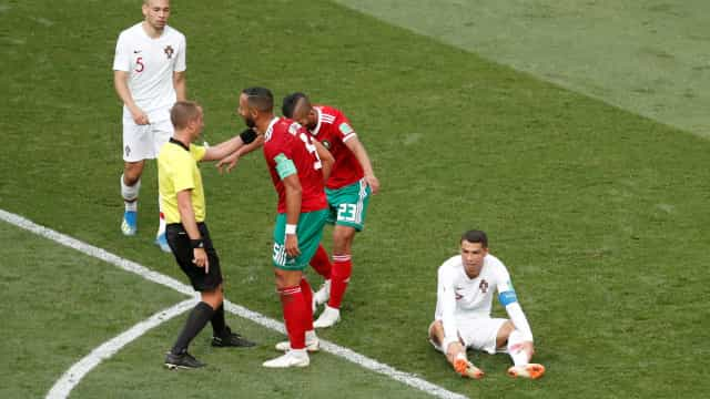 FIFA nega que árbitro tenha pedido camisola de Portugal