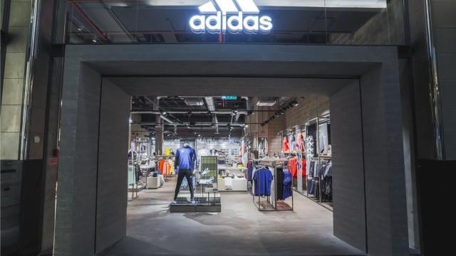 Adidas reinaugura loja no Almada Fórum com novo conceito Stadium