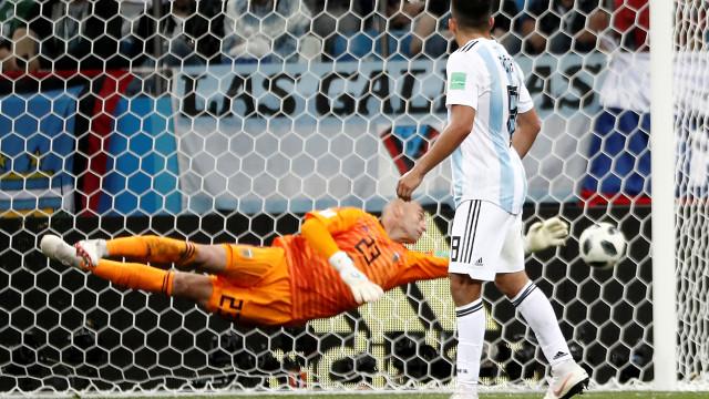 Modric assinou um golo soberbo e agravou o 'abismo' da Argentina