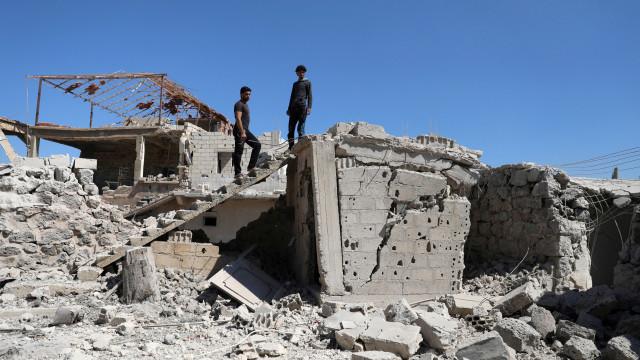 Síria acusa Israel de ataque com mísseis contra base aérea