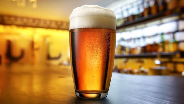 Quanto custa uma caneca de cerveja em vários pontos do mundo?