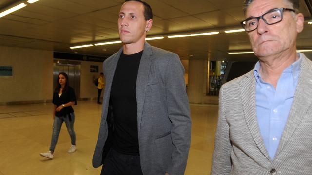 Já é oficial: Lema assina pelo Benfica