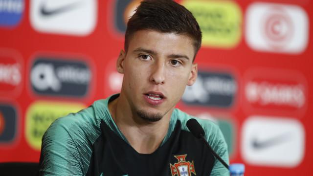 """Não jogar? """"Trata-se de estar aqui com Portugal e respeitar o mister"""""""
