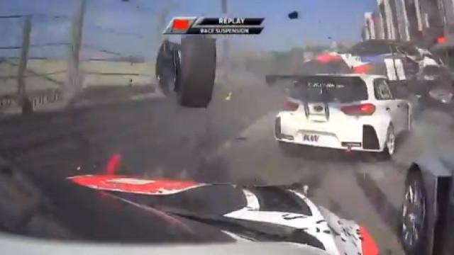 Acidente em Vila Real no WTCR provocou ferimentos em quatro pilotos