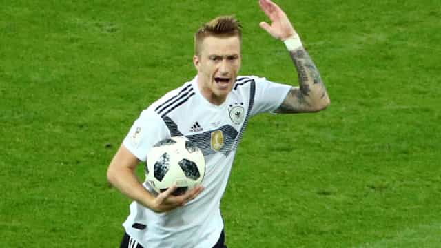 Alemanha vence o jogo da 'sueca' e escapa à tragédia ao soar do gongo