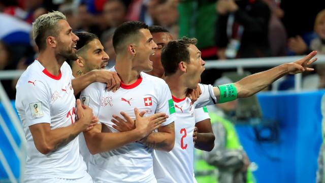 FIFA abre processo a Xhaka e Shaqiri após celebrações pró-Kosovo