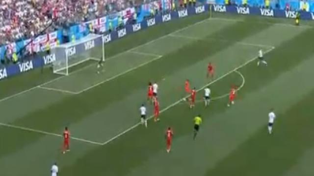 Lingard encheu o pé e assinou um golaço frente ao Panamá