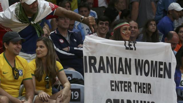 Teerão: Mulheres voltam a hoje entrar no estádio para ver Irão - Portugal