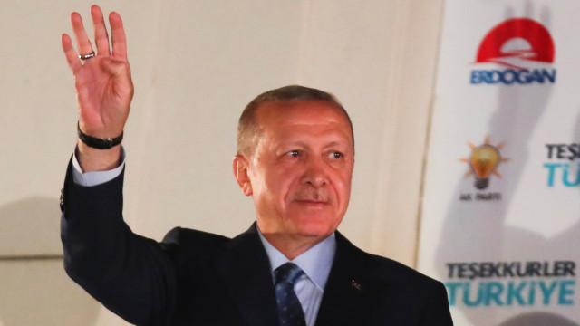 Hungria e Bulgária felicitam Erdogan pela reeleição
