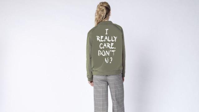 'I really care, don't U?' Há um casaco que 'responde' ao de Melania Trump
