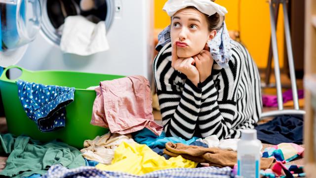 A roupa foi lavada à máquina mas não ficou 100% limpa? Eis os motivos