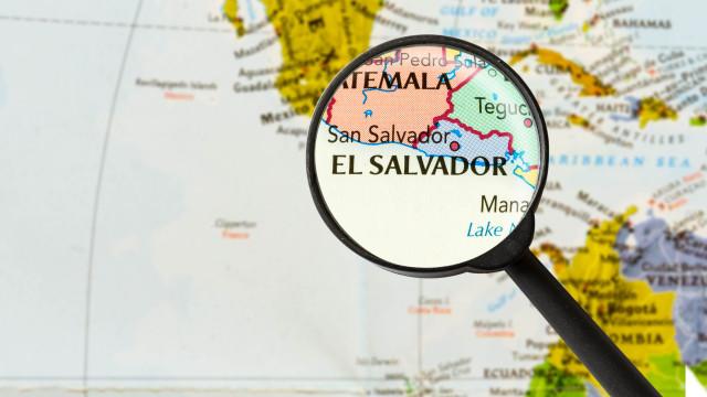 Sismo de magnitude 6,1 sentido ao largo de El Salvador