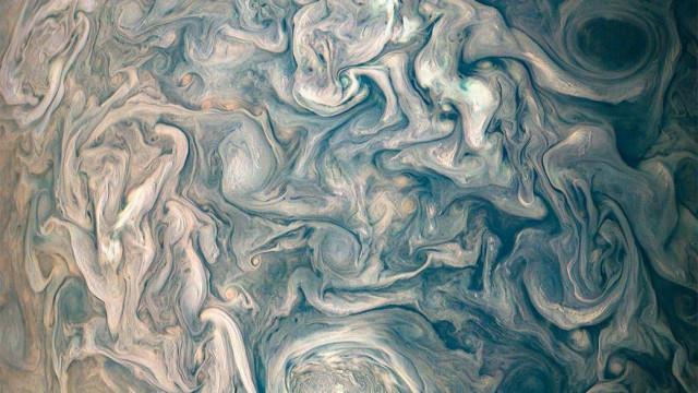 Fotografia mostra as caóticas (e belas) nuvens de Júpiter