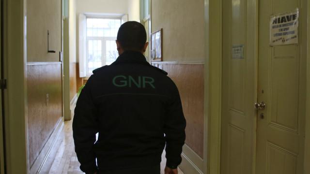 Militares da GNR agredidos ao levar vítima de violência doméstica a casa