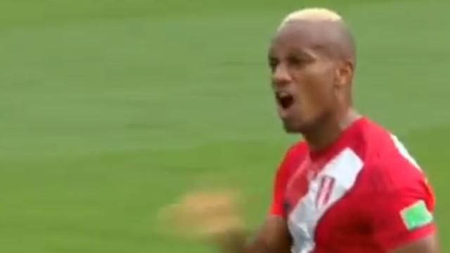 Carrillo marcou o 1.º golo do Peru no Mundial. E que golo...