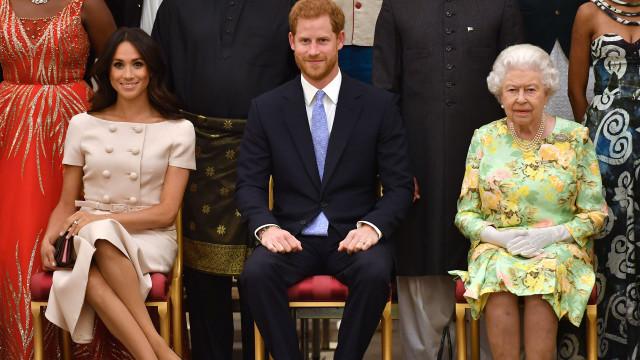 Meghan Markle comete gafe em evento com Isabel II?