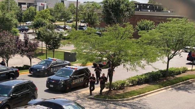 EUA: Tiroteio em redação faz pelo menos cinco mortos. Suspeito detido