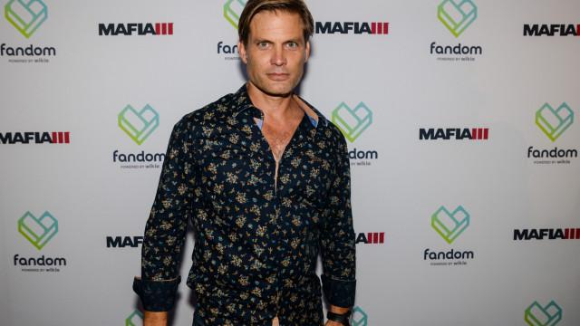 Filho do ator Casper Van Dien tenta suicidar-se, adianta revista