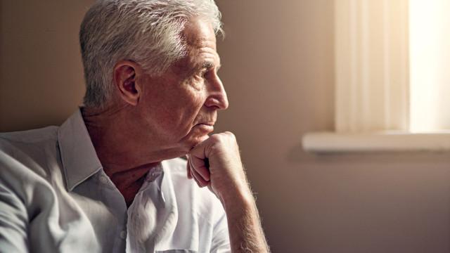 Alzheimer Portugal quer entender qual é a perceção sobre a demência