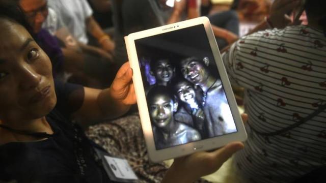 Médicos proíbem crianças salvas de gruta de assistir à final do Mundial