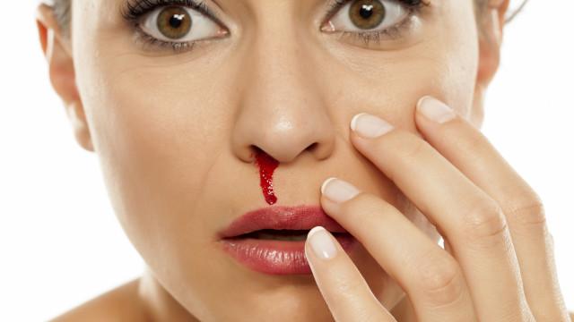 Será que o tempo quente provoca hemorragias nasais?
