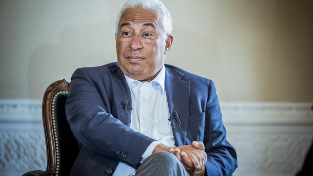 Costa felicita primeiro-ministro grego por fim de resgates