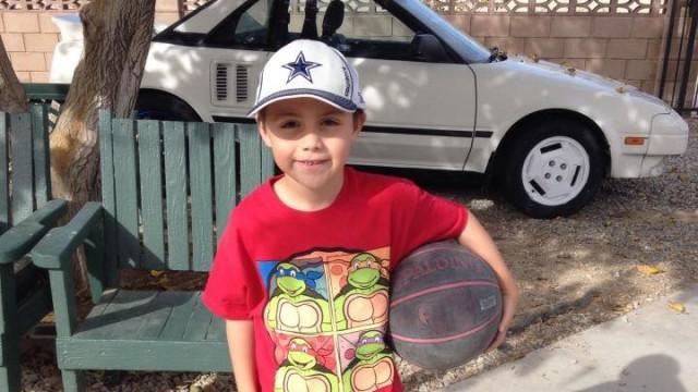 Sujeita filho a tortura por ser gay. Criança de dez anos morreu