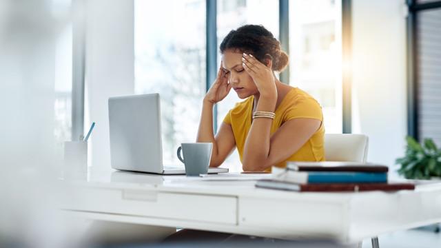 Enxaquecas afetam o trabalho e bem estar de mais de metade da população