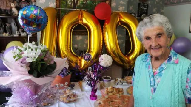 Bisavó celebra centésimo aniversário na mesma casa em que nasceu