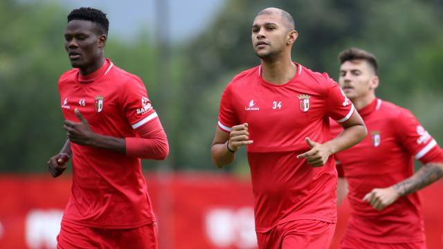 Novo reforço para a defesa: Raul Silva a caminho do Dragão