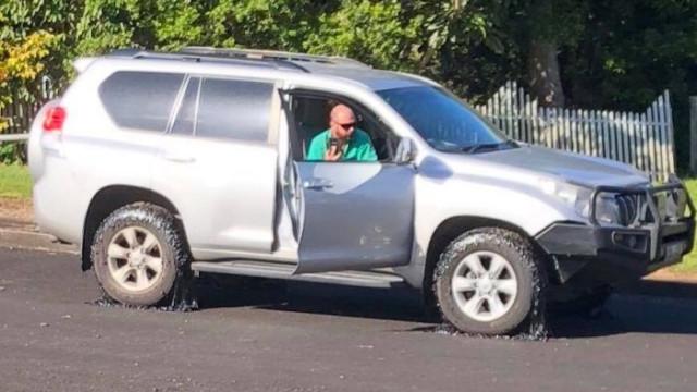 Estrada a 'derreter' provoca estragos em carros na Austrália
