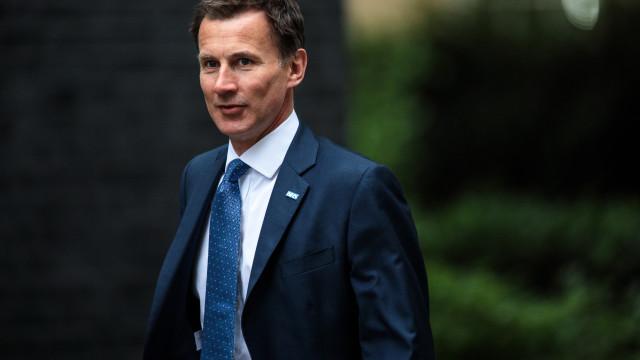 """Ministro britânico adverte para """"enorme erro"""" de Brexit sem acordo"""