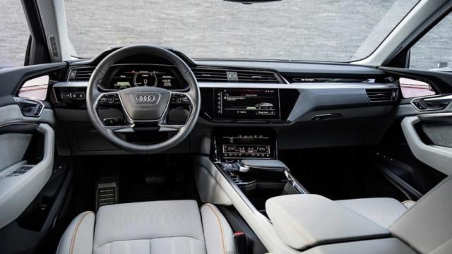 Audi e-tron vai ser o primeiro carro com retrovisores interiores