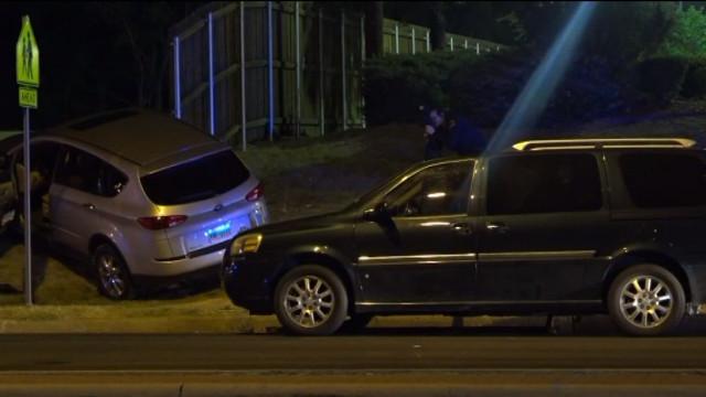 Mãe dispara sobre homem que tentava roubar carro com filhos no interior