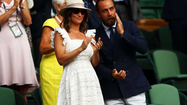 Grávida pela primeira vez, Pippa Middleton deslumbra com visual simples