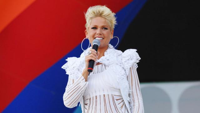 Fã de Xuxa morre de ataque cardíaco ao vê-la ao vivo em aeroporto