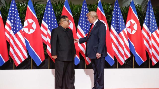 "Donald Trump diz que recebeu uma carta ""formidável"" de Kim Jong-un"