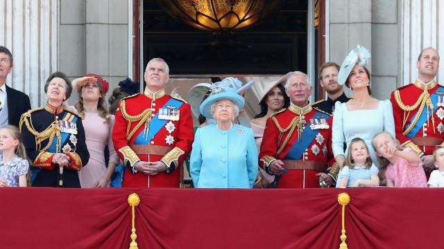 Porque é que os títulos da família real são diferentes na Escócia?