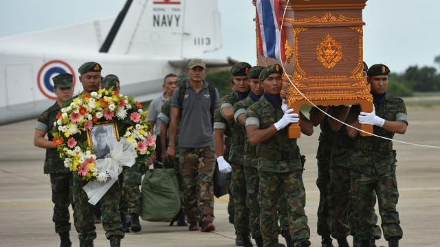 Funeral de mergulhador que morreu na Tailândia terá honras reais