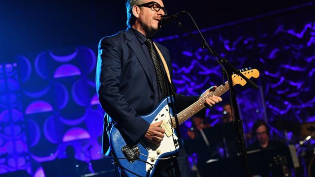 Elvis Costello diagnosticado com cancro