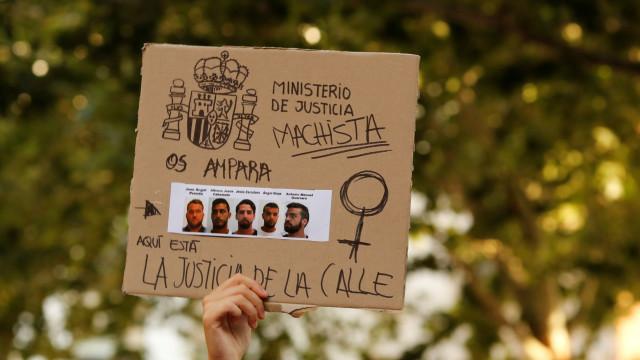Tribunal confirma pena de nove anos de prisão para membros de La Manada