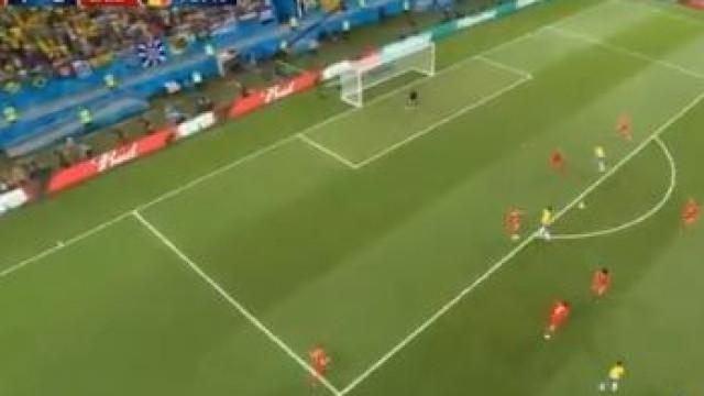 Renato Augusto só precisou de quatro minutos para marcar pelo Brasil