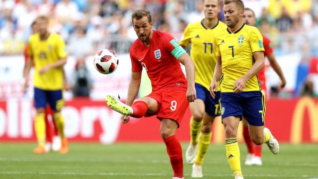 [0-1] Suécia-Inglaterra: Cabeçada triunfal de Maguire dá primeiro do jogo