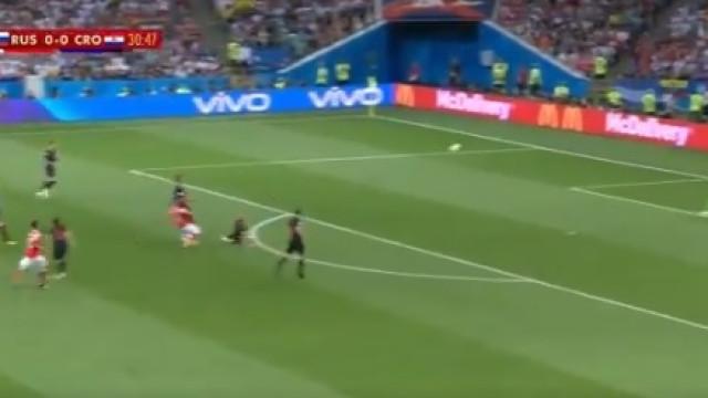 Cheryshev contraria 'maré do jogo' e marca golaço de fora da área