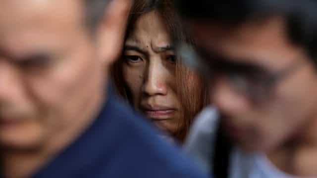Resgate de turistas no mar da Tailândia: A dor e as lágrimas em imagens