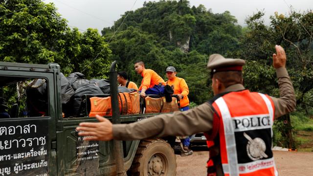 Tailândia: Operação de retirada está repleta de armadilhas