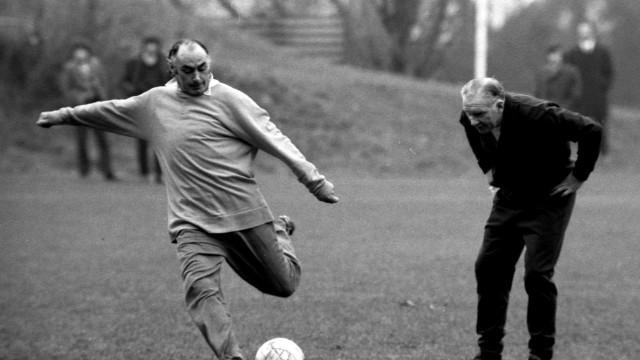 Futebol inglês está mais pobre: Morreu uma lenda do Tottenham